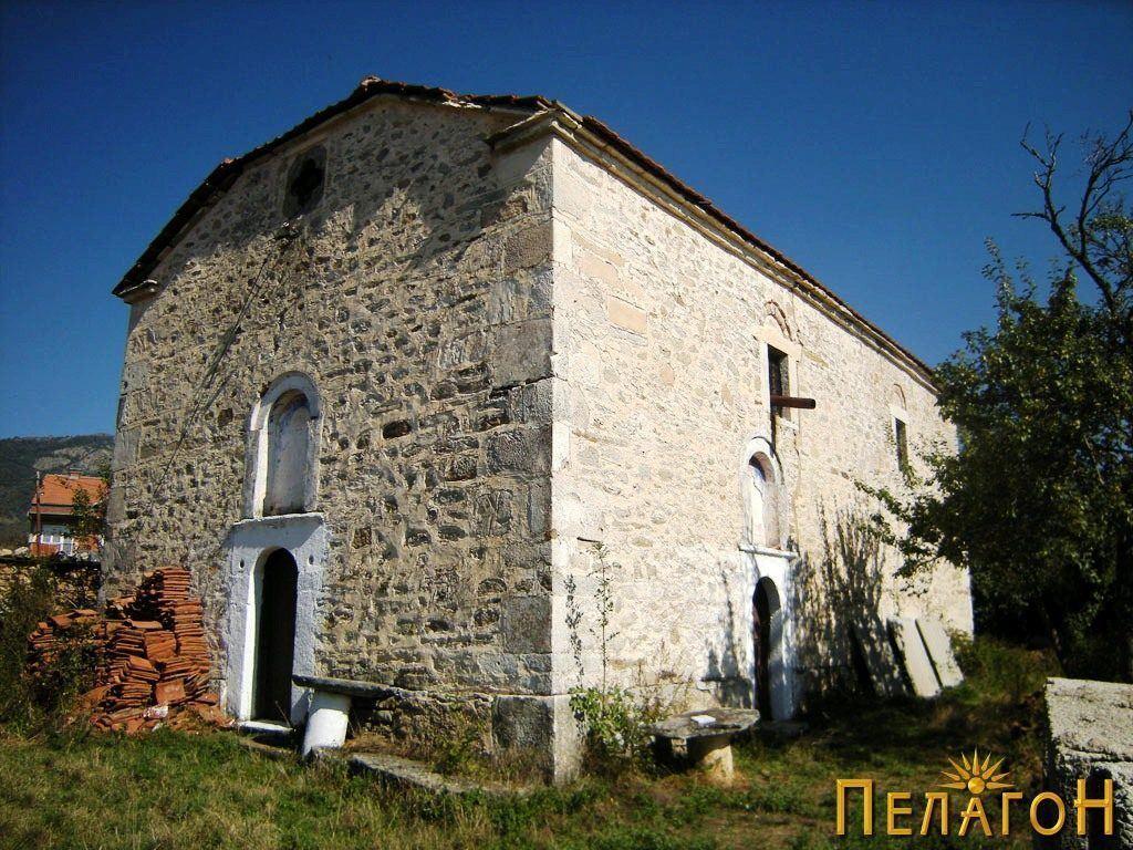 Црквата во селото Небрегово