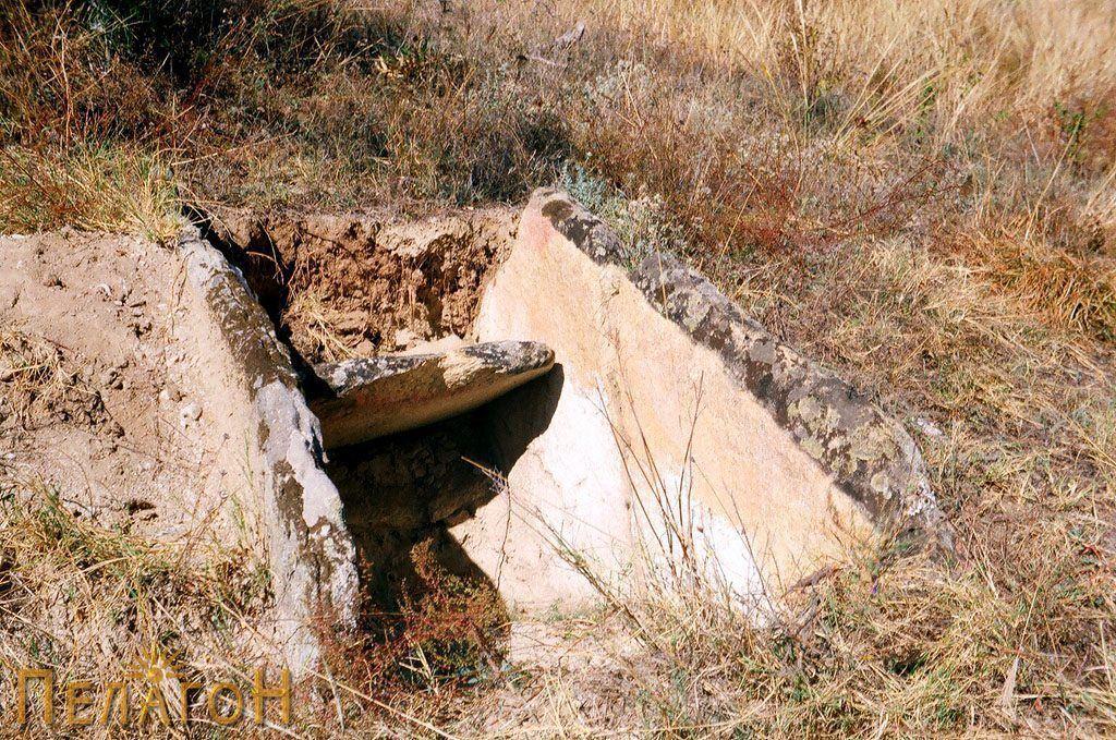 Гроб од архајскиот период