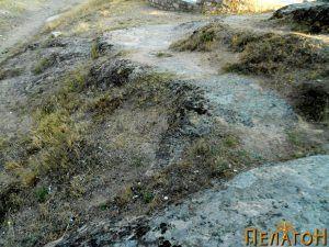 Камена патека до објектот
