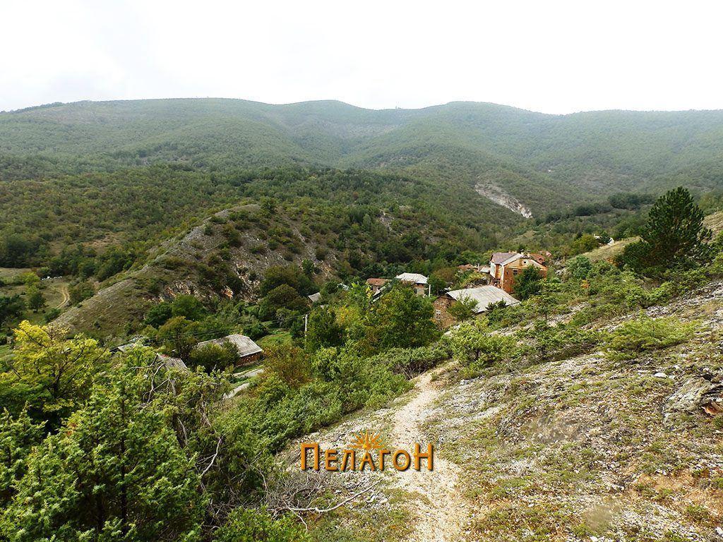 Селото Горни Манастирец