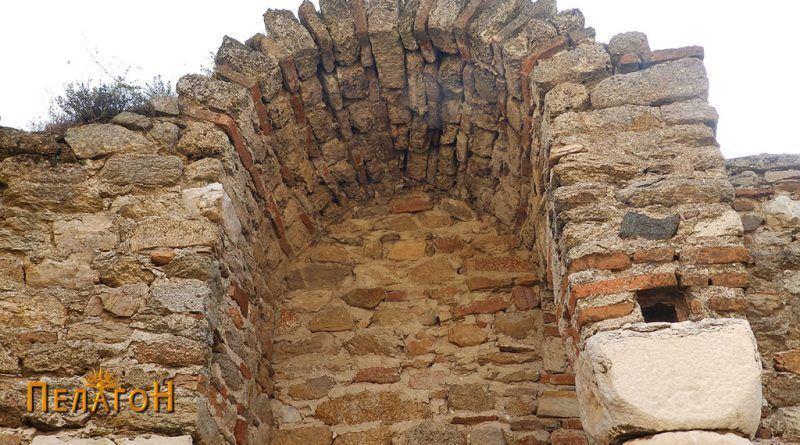 Мал фрагмент на северниот ѕид