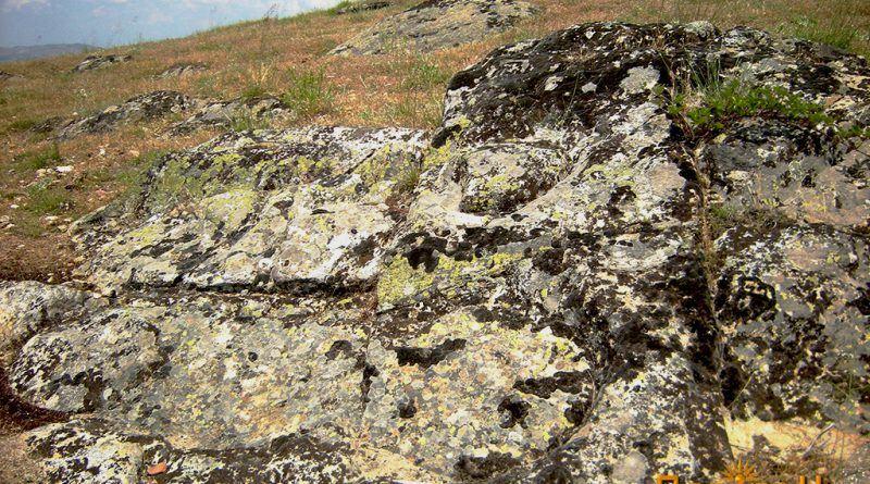 Обработени делови во карпа