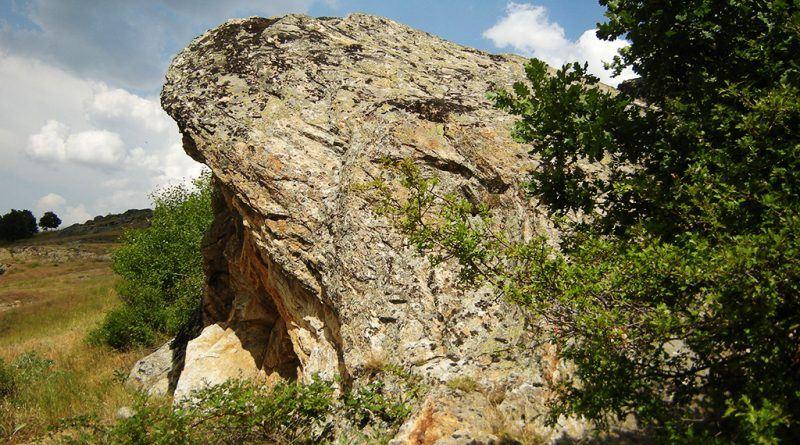 карпата со култната пештера