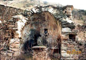 "Остаток од црквата ""Св. Димитрија"" - манастир Чебрен"