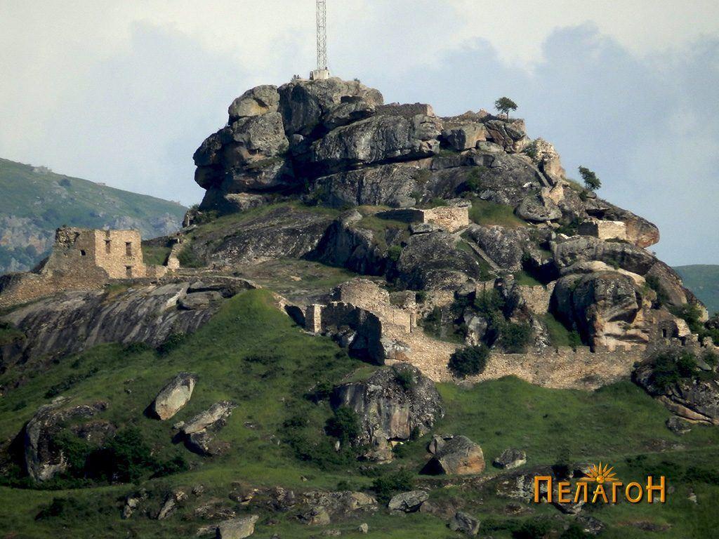Врвот Чардак - Маркови Кули, Прилеп