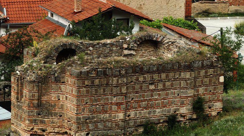 Јужниот ѕид на црквата
