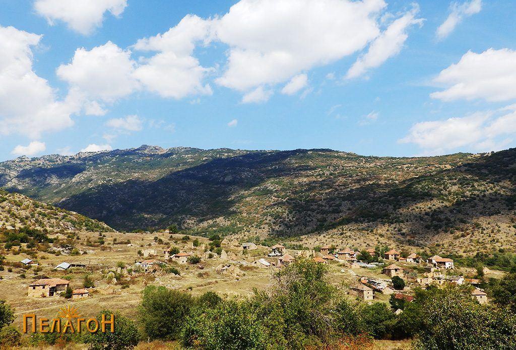 Селото пештани од југ