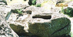 Главниот ритуален простор - ритуално корито и гроб - реципиент