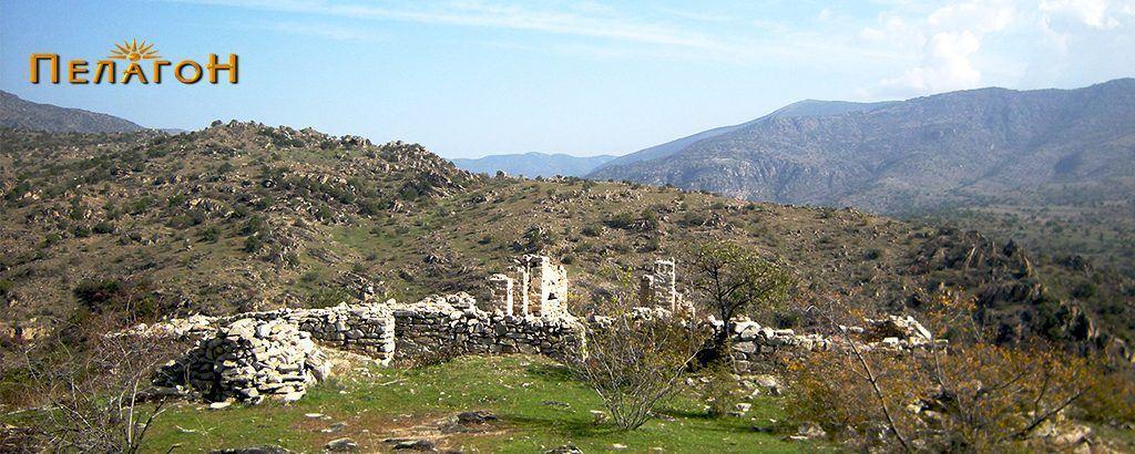 Остатоците од двете ранохристијански цркви