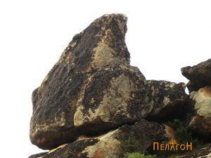 Карпата - менхир, која го обележува култниот простор