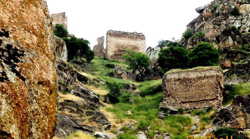 Југоисточниот дел на Маркови Кули со зачувани кули