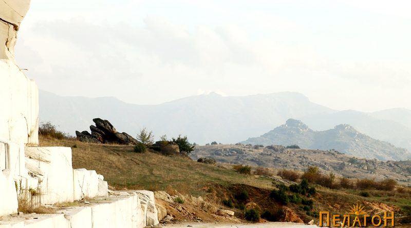 Во срцето на култната карпа - откосо со Маркови Кули кај Прилеп