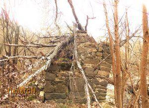 Остаток од мостот на Црна Река јужно од Чебрен 2