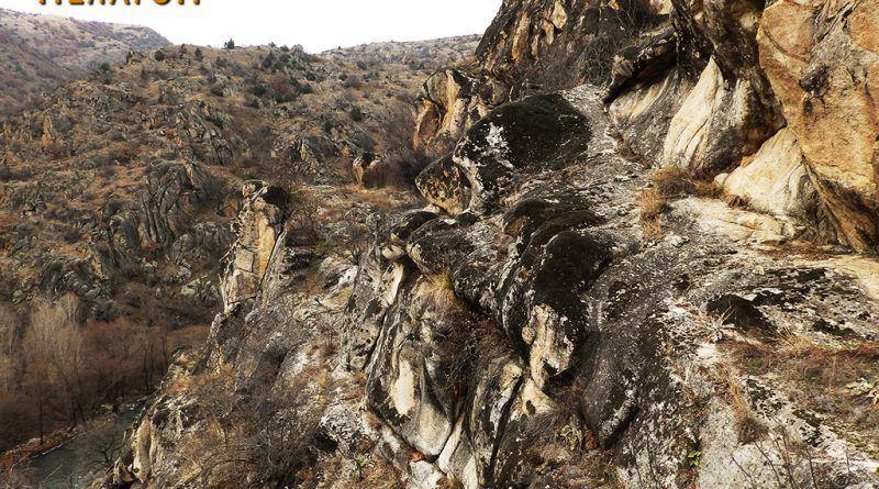 Терасести форми на тумбата од јужната страна 2