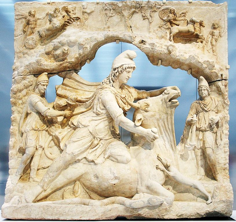 Митра Бикоубиец - Relief_représentant_Mithra_-_Louvre-Lens