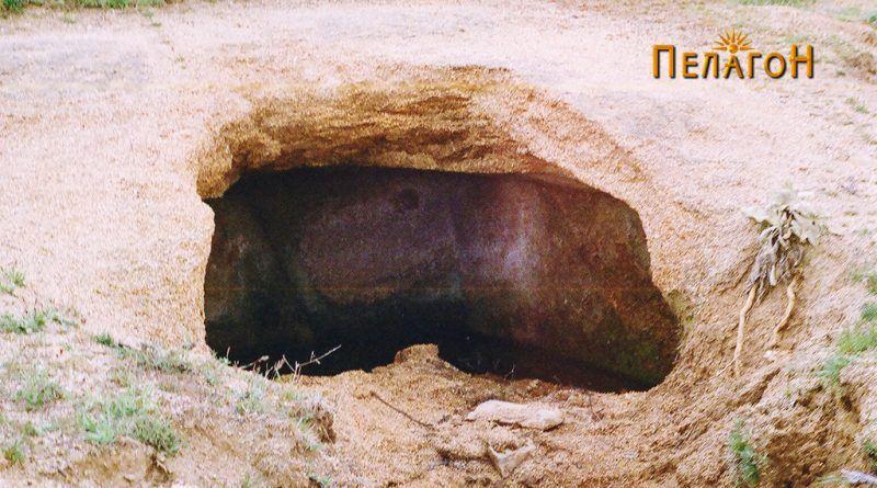 """Гробница од македонски (пелагонски) тип во близина на """"Грамаѓе"""" уништена со булдожер"""
