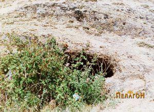Гробница бр. 4 - влезот