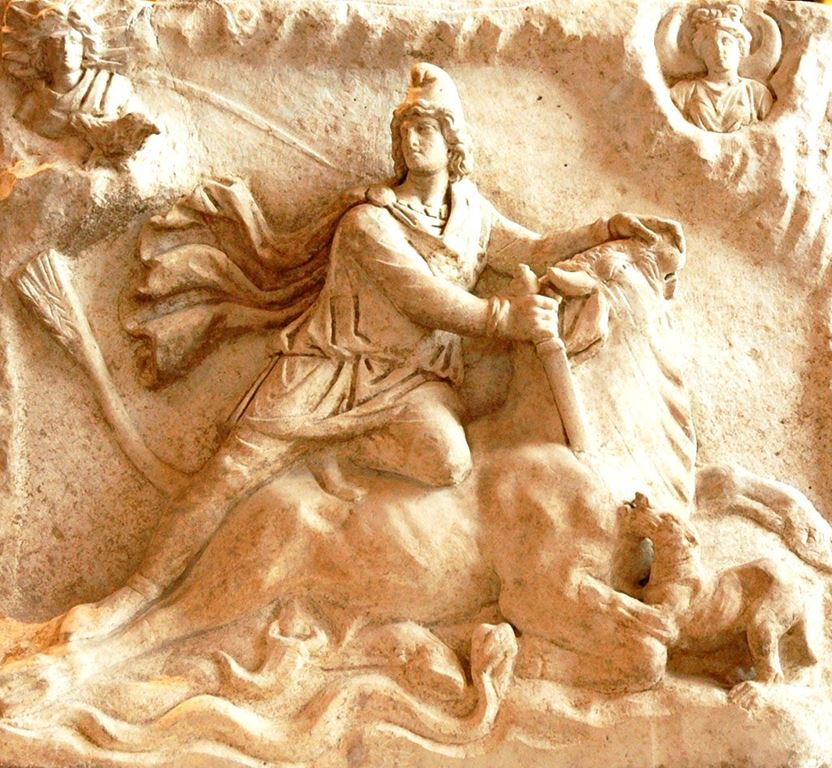 Богот Митра - Mithras_tauroctony_Louvre