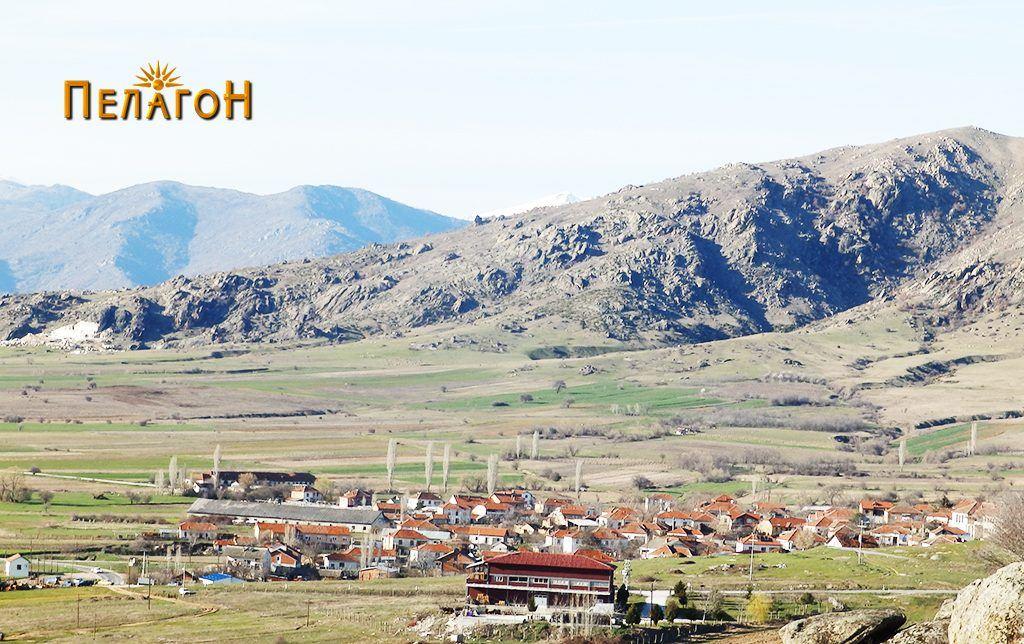 Селото Мажучиште со дел од атарот и Мраморски Рид