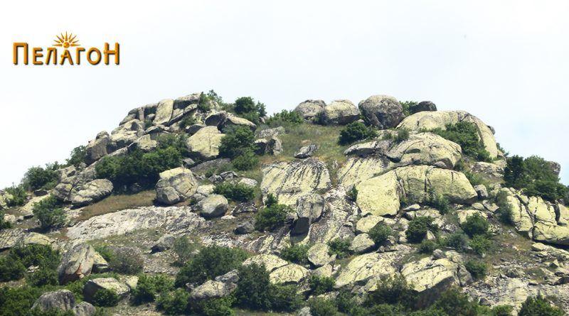 Карпестиот врв со утврдено плато