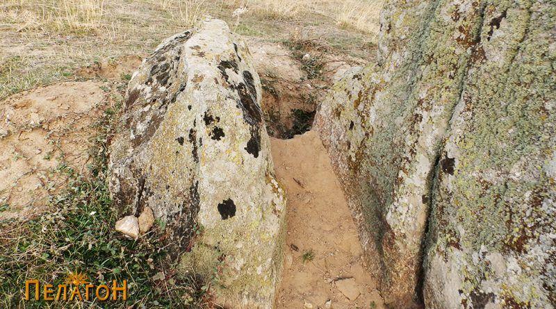Раскопан дел покрај менхирот - потрага по богатство