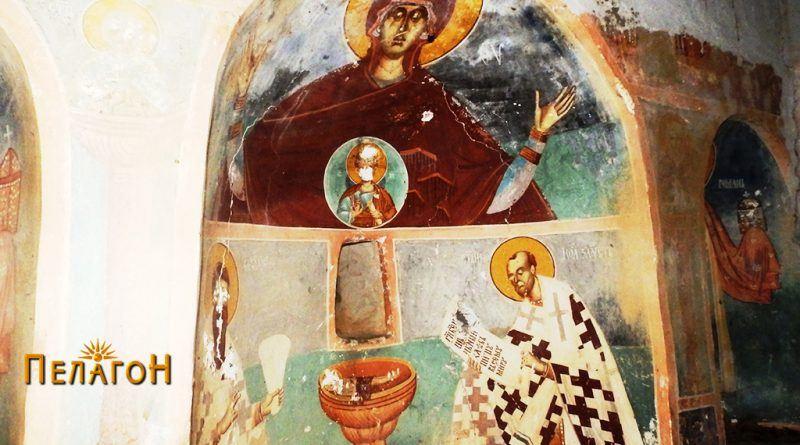 Во апсидата - св. Богородица со Исусс, св. Василиј (лево) и св. Јован Златоуст