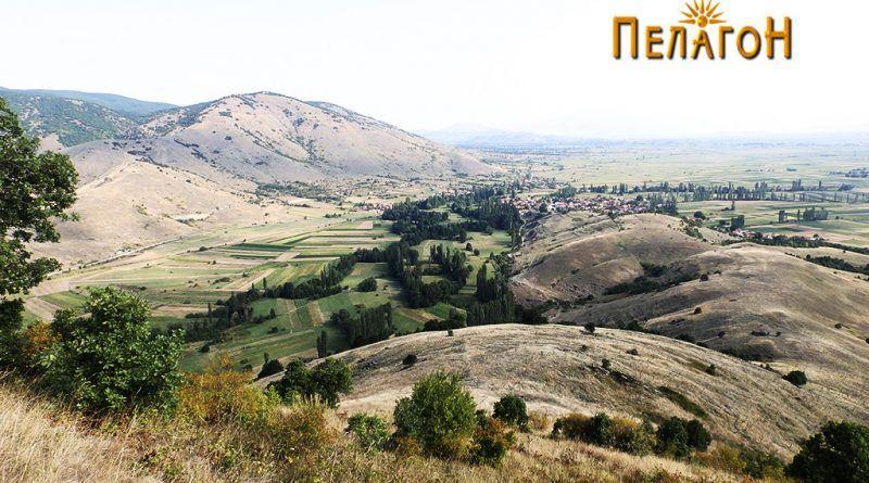 """Поглед од """"Кале"""" кон селото Бучин"""