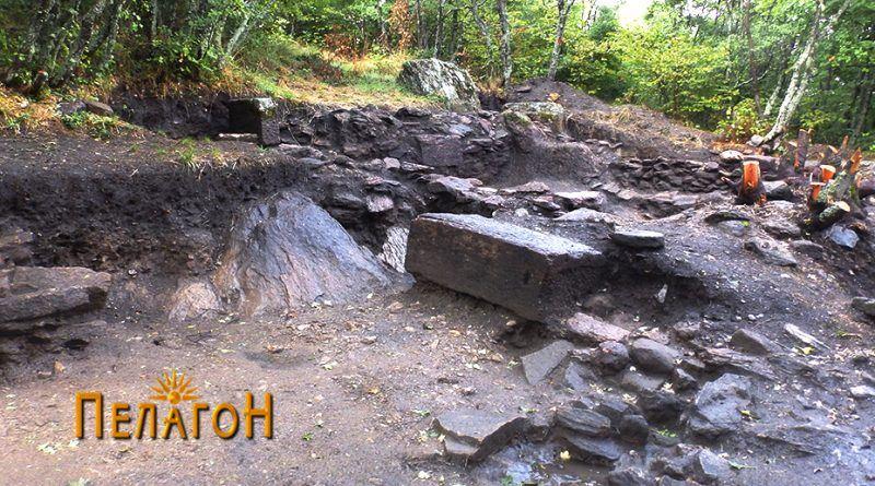 """Во """"палатата"""" по ископувањето 1014 година"""