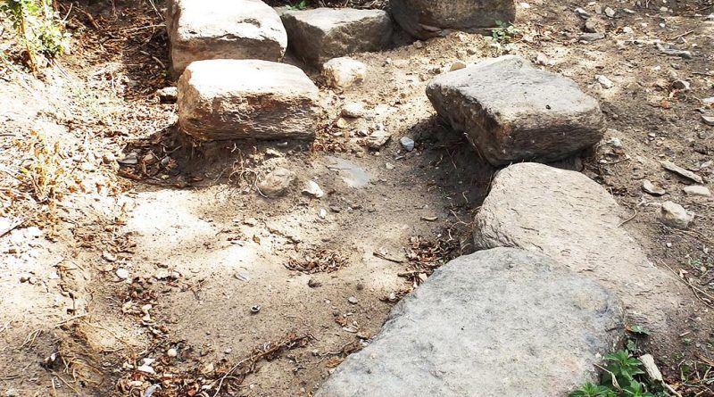 Архитектонски елементи од градба на местото на најновото археолошко ископување