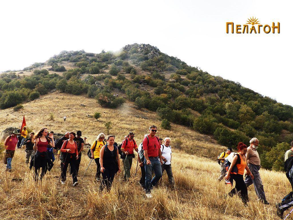 Слегување од славниот врв Маргара