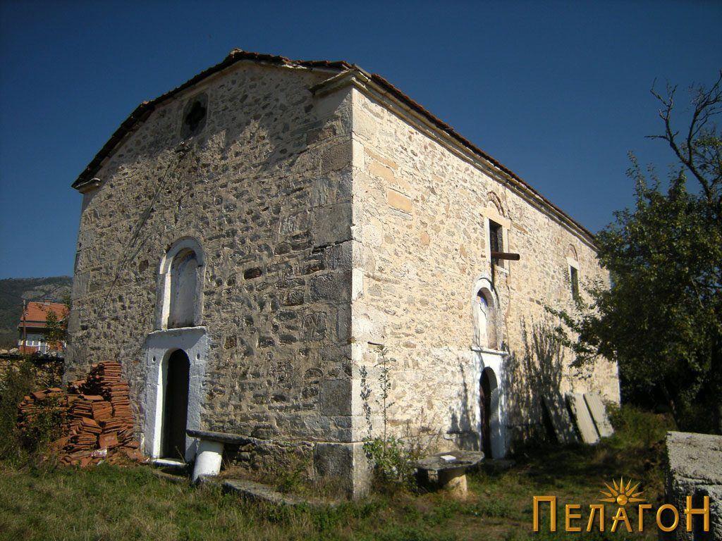 Селската црква во Небрегово