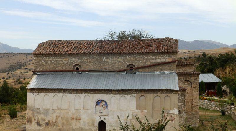 """Црквата """"Св. Никола"""" од - јужен ѕид со остатоци од живопис"""