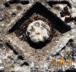 Детал од украсувањето на елемементот 1