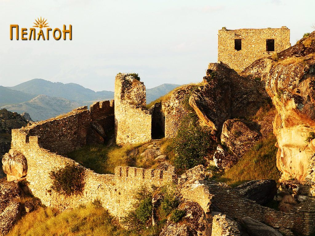 Дел од тврдината на Маркови Кули - Прилеп