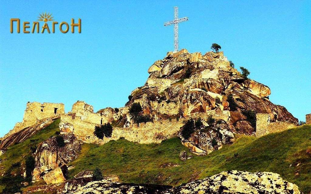 """Врвот """"Чардак"""", највисокиот дел од тврдината на Маркови Кули"""