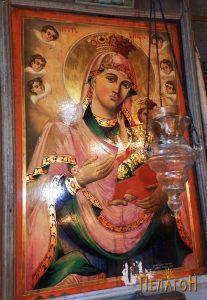 Св. Богородица со Исус - икона од иконостасот