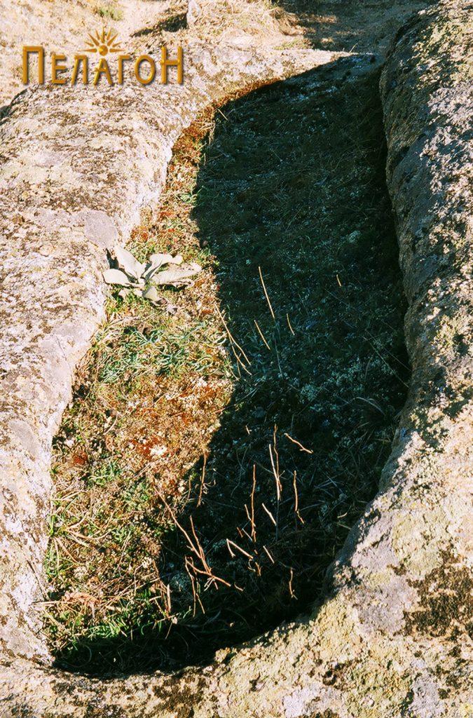Гроб во карпа 1