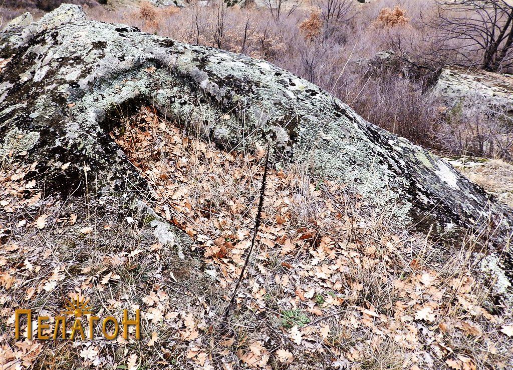 Гроб во карпа 5