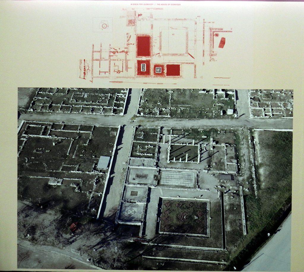 План на градот Пела со плоштадот на Дионис - Археолошки музеј во Пела