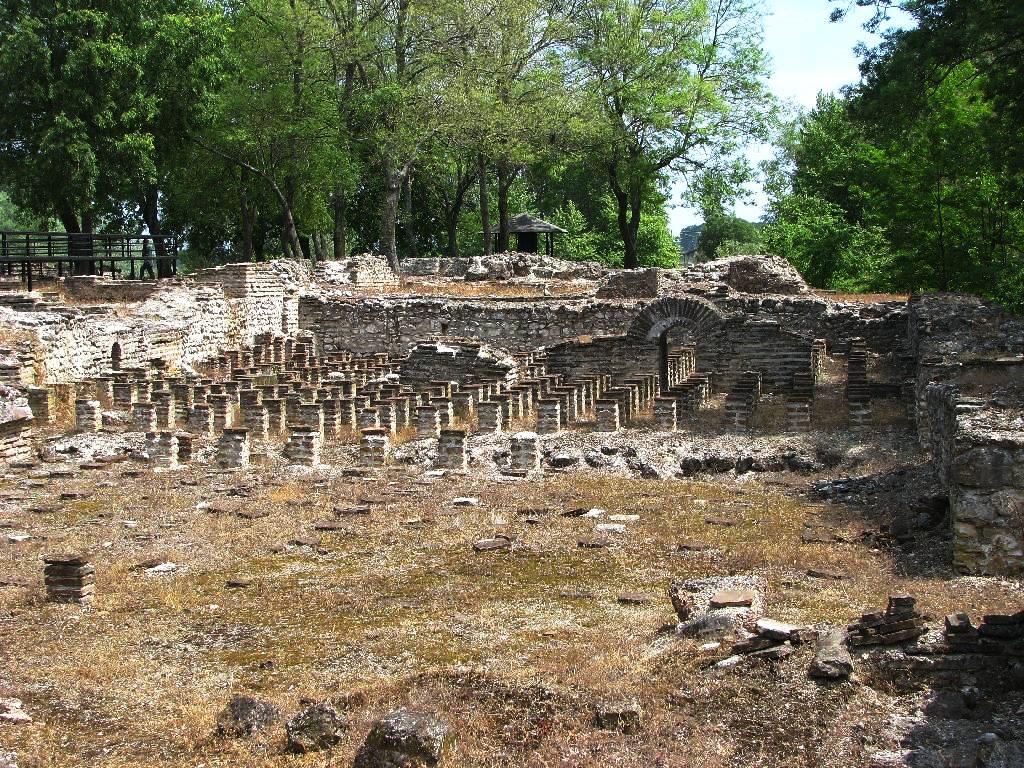 Остатоци од градот Дион 2