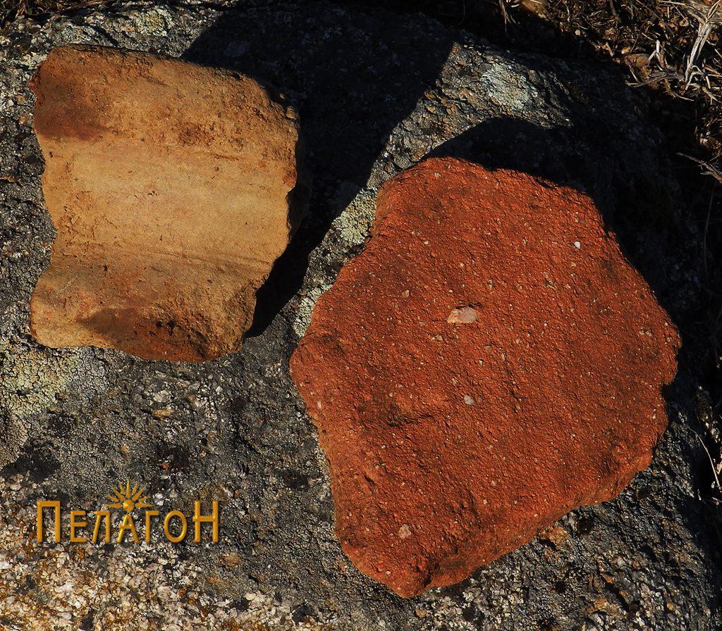 Устинка од пшитос и фрагмент од тегула кај градбата бр. 2