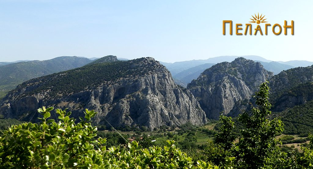 Клисурата кај Демир Капија. Некои од археолозите градот Амидон го лоцираат во овој простор