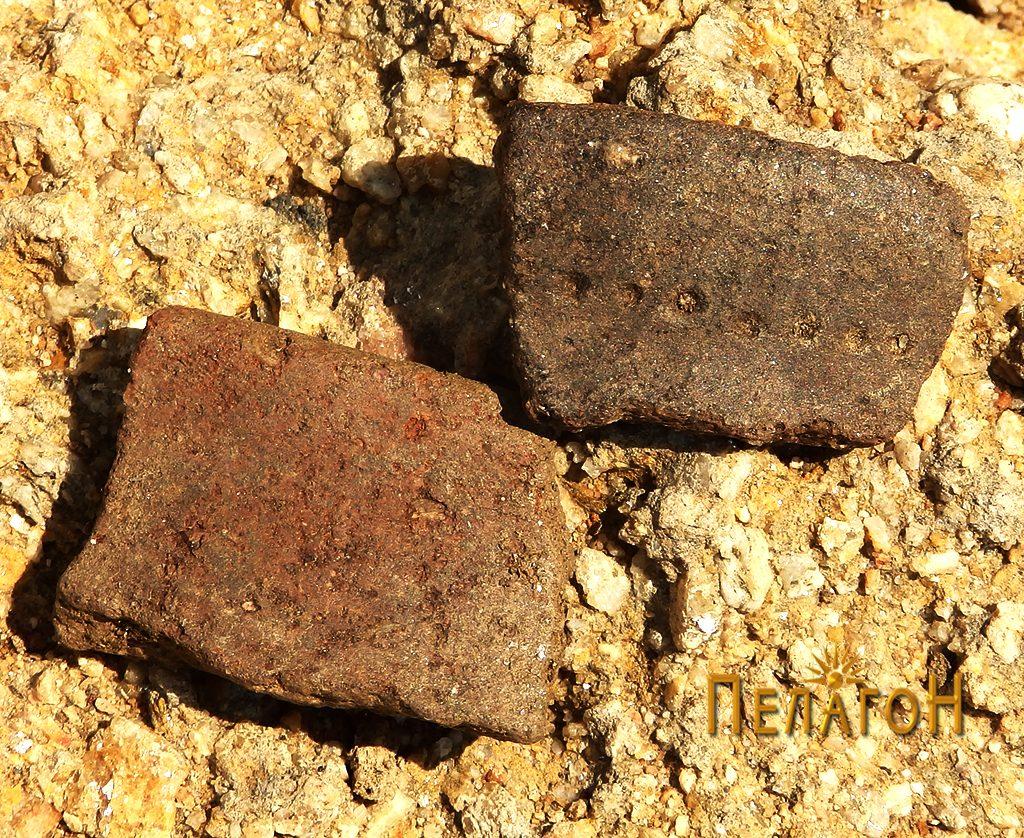 Два фрагменти од керамички садови - горниот од праисторија