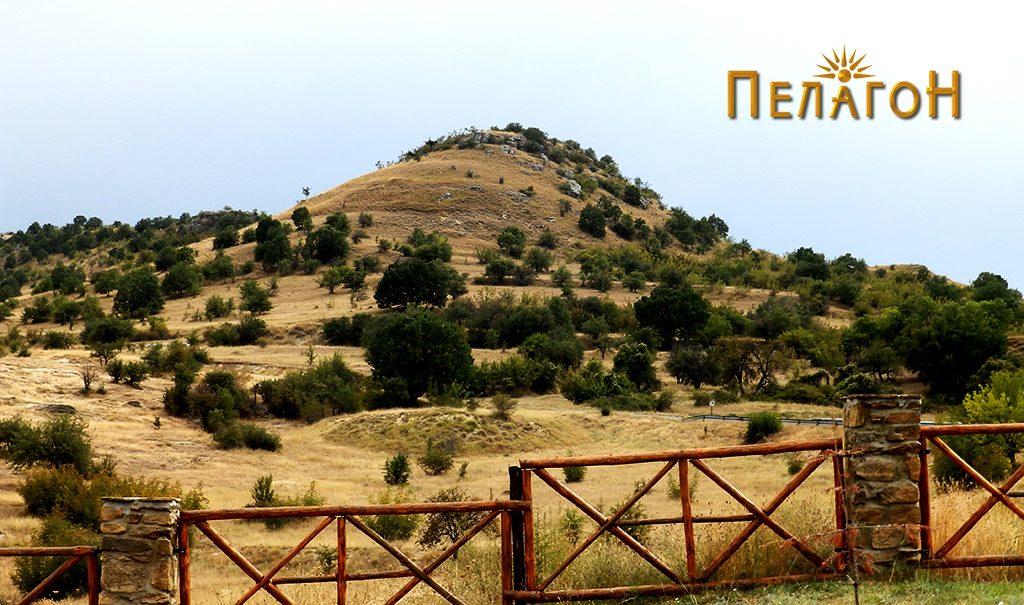 """""""Лаштигерот"""" - праисториска населба со утврдување - од север 4"""