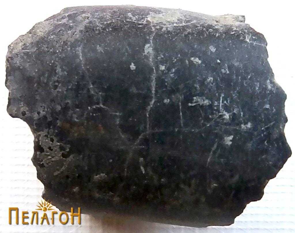 Камено орудие - фрагмент
