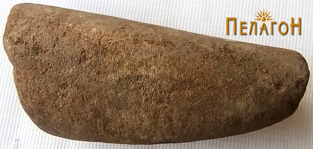Камено орудие - релативно сочувано