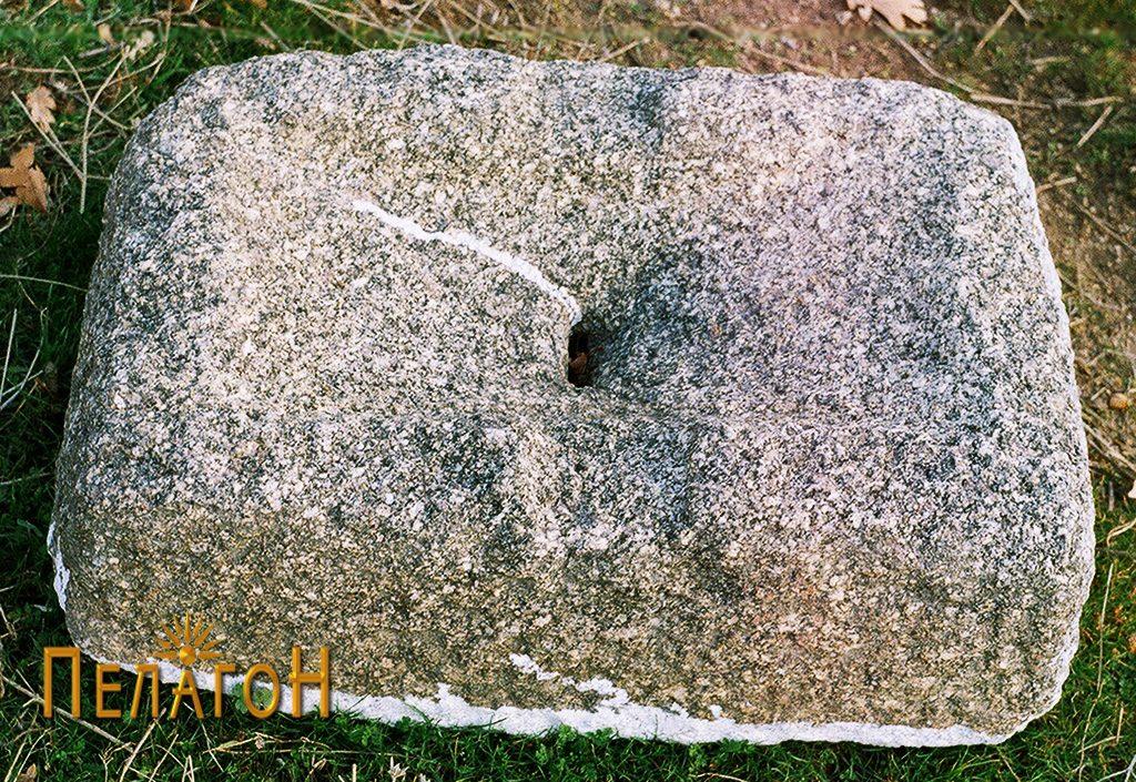 Објект од камен за мелење или цедење семиња, овошје или друг материјал 5