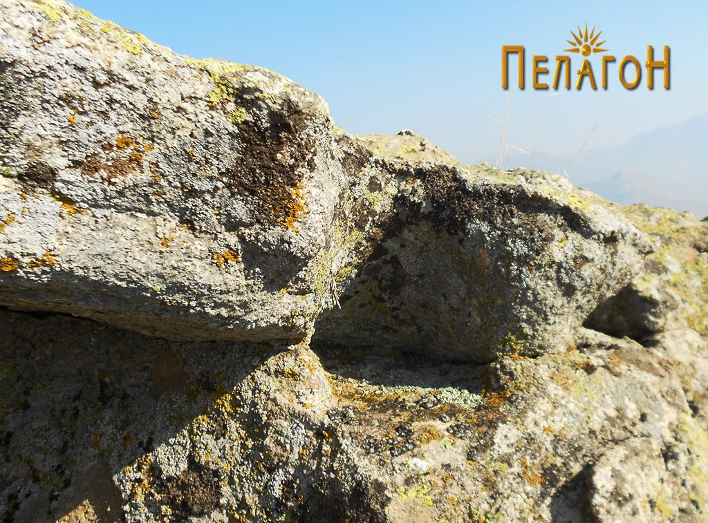 Обработени делови на карпа за поставување греди