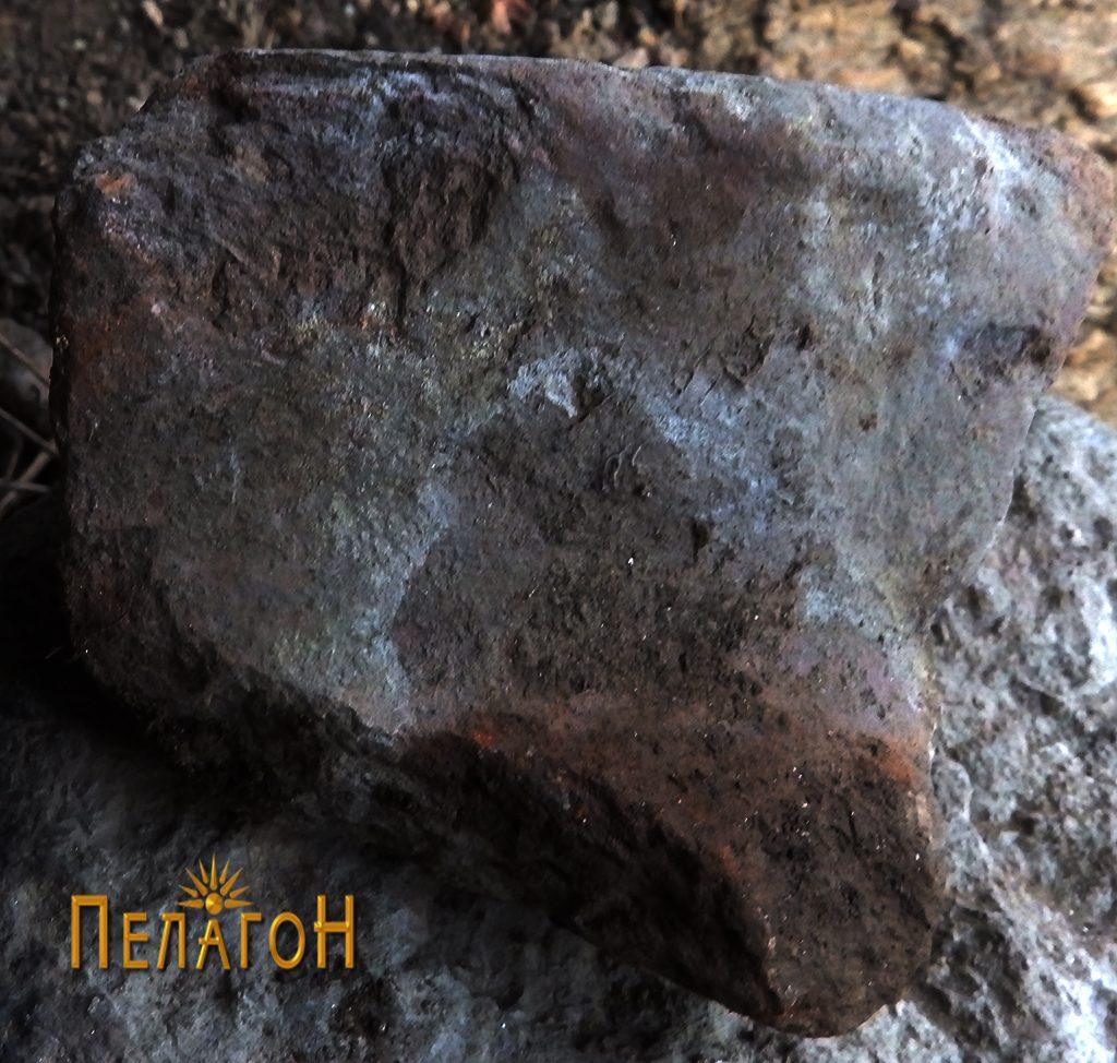 Фрагмент од питос - устинка од живеалиште бр. 1