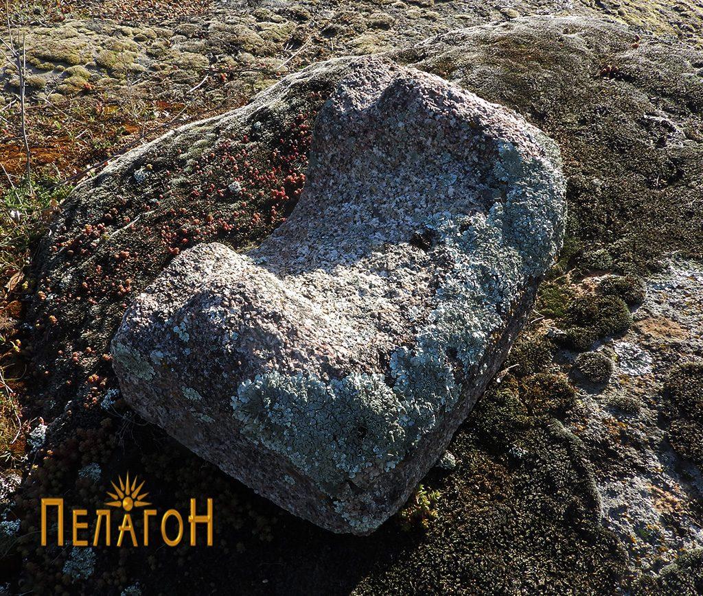 Фрагмент од објект од камен за цедење или мелење семиња или друг материјал